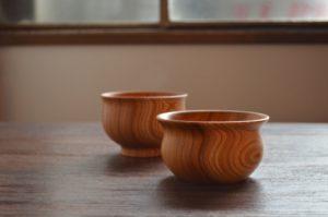 ichi Wan/ichi Bowl 木製のお椀、ボウル。 縁から胴にかけての曲線は、手と口に沿うようなデザイン。