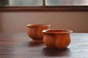 ICHI WAN/ICHI BOWL 木製のお椀、ボウル 縁から胴にかけての曲線は手と口に沿うようなデザイン